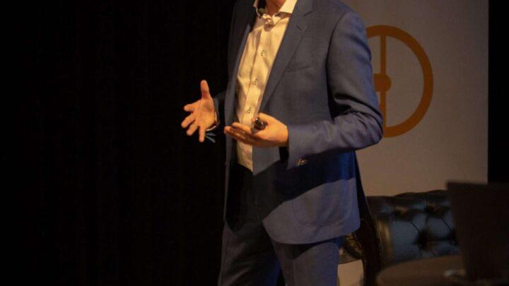Filmding College 17 - Influencer marketing - Spreker - Andre Ansems -Publieksinteractie